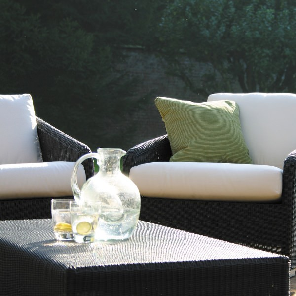 Cordoba Outdoor Sofa Coffee Table 2