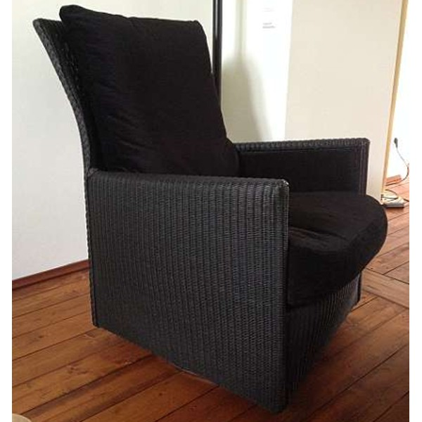 Loge Plus Twist Chair 1