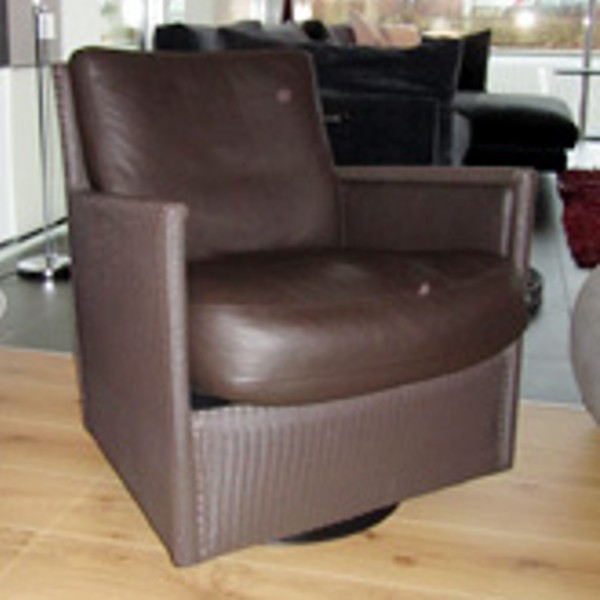 Loge Twist Chair 4