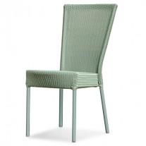 Bantam Stuhl im Freien