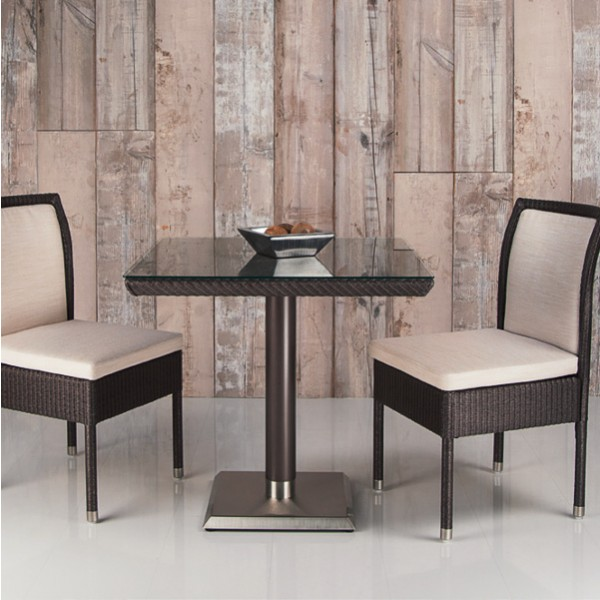 Harrys Table Square 900 2